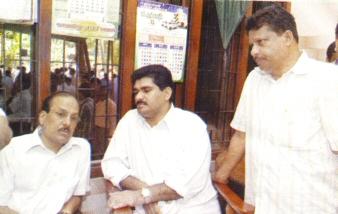 PK Kunhalikuty and PV Abdul Wahab consoling Syed Basheer Ali Shihab