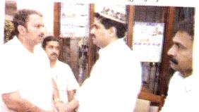 K. Muraleedaran meeting Syed Basheer Ali, along with Najeeb Kanthapuram and Ahmedkutty Unnikulam